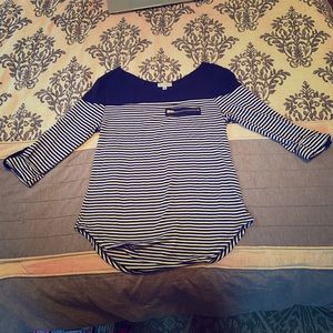 Guess striped 3/4 sleeve top